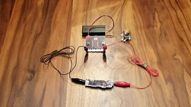 マイクロビットで電気が通るかどうかを調べる